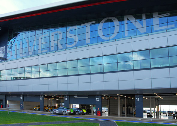 silverstone-race-circuit-wing-glazing